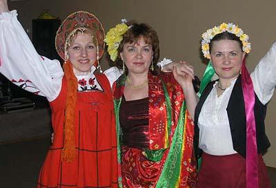 Слева направо: Наташа Сагаева, Людмила Виницкая, Наталья Гришаточкина