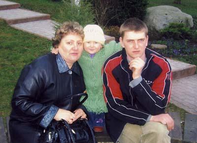 Слева направо: Ирина Бурбах, Яков Бурбах с дочерью
