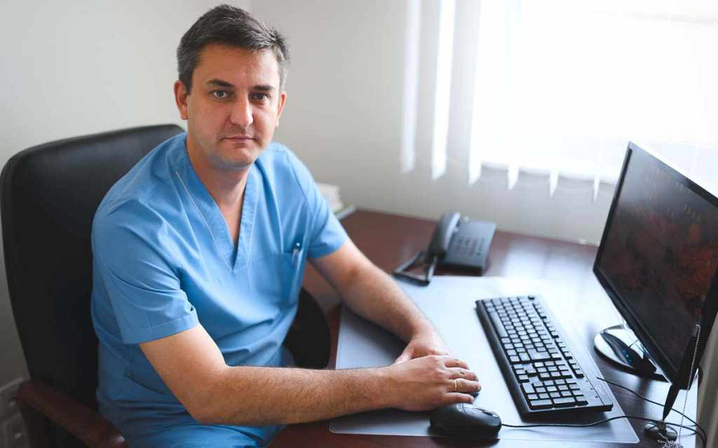 Антипов Георгий Николаевич врач