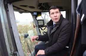 «ВСЁ НА МНЕ!» Губернатор-технократ Алиханов перешёл на ручное управление