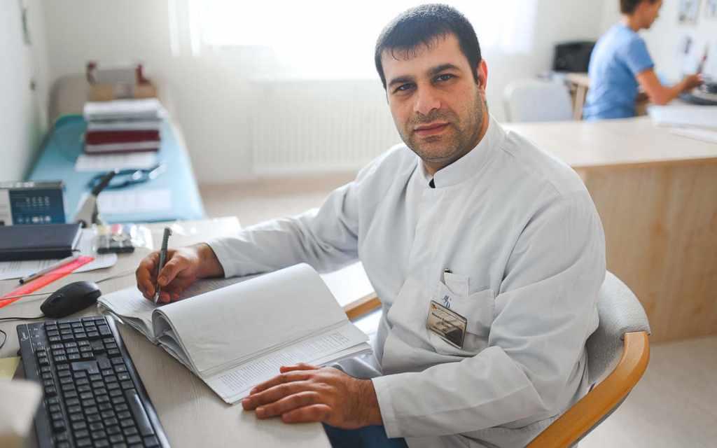 Михаил Исаян врач