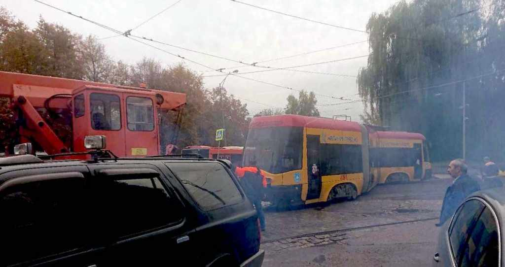польский трамвай Pesa сошёл с рельс Калининград