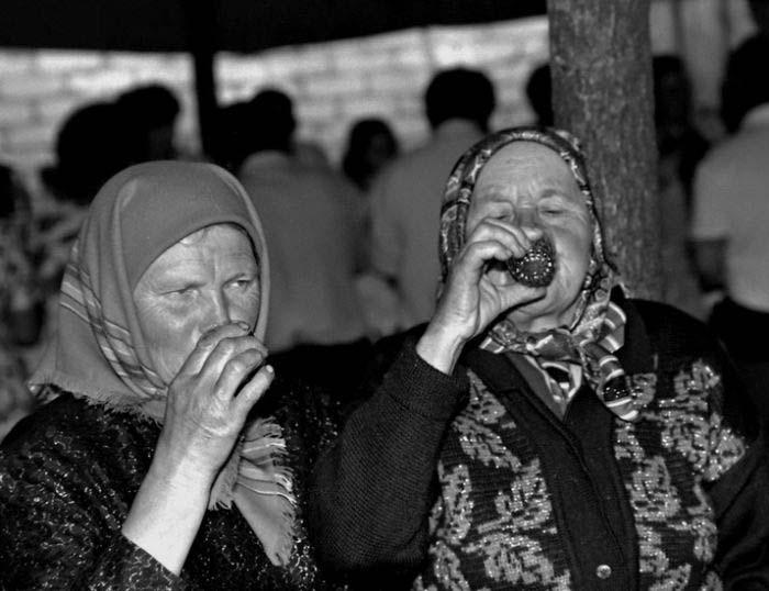 бабки пьют