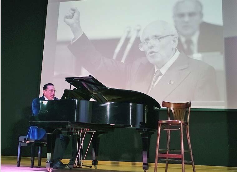 Валерий Алиев певец