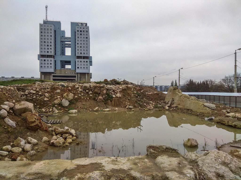 Калининград Дом Советов и раскопки на месте Королевского замка
