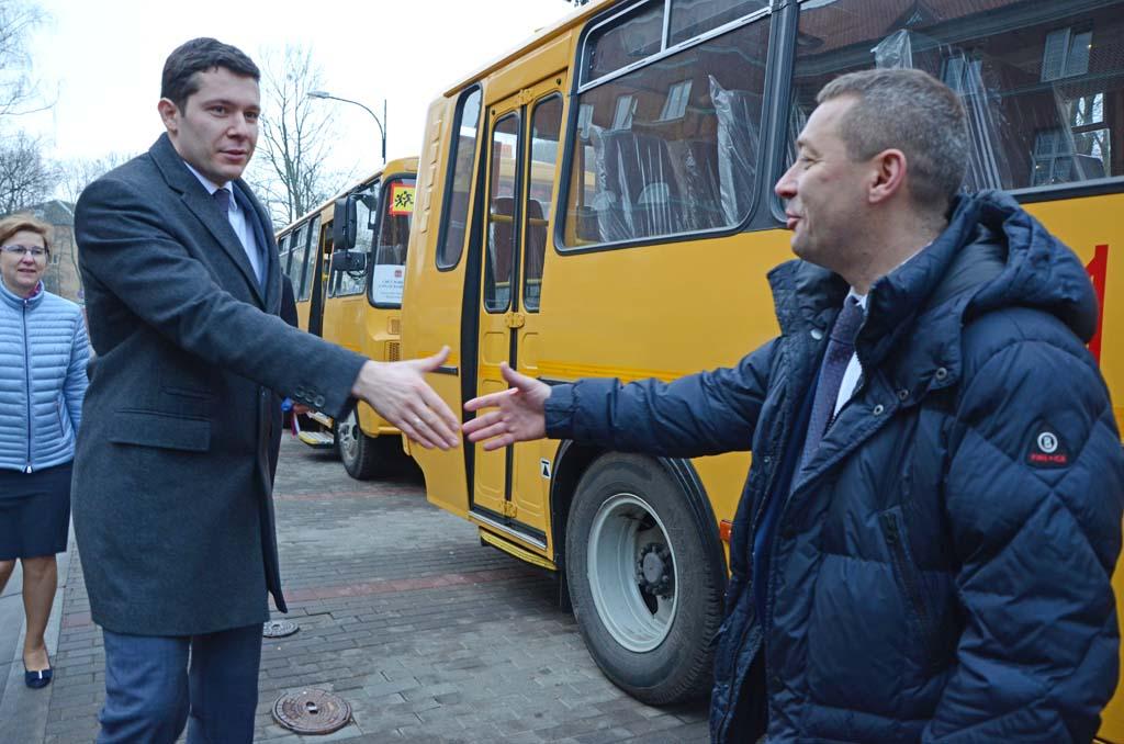 губернатор Алиханов автобусы