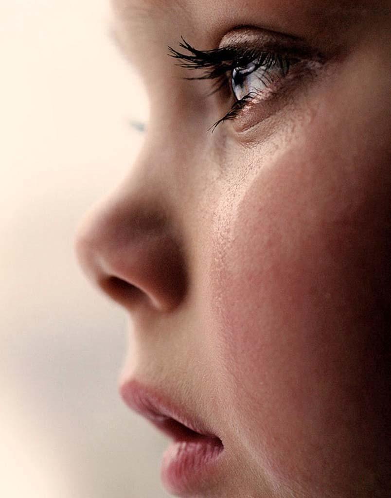 ребёнок слёзы
