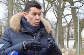 ПУСТАЯ ГОЛОВА АЛИХАНОВА. Развалив экономику региона, 33-летний губернатор взялся вправлять мозги населению
