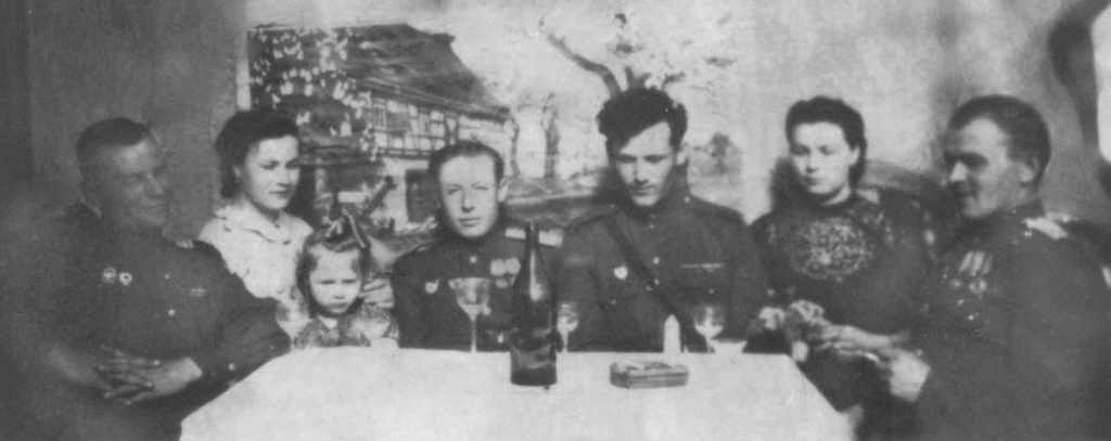 Буймистр с капитаном-медиком Калининград 1948