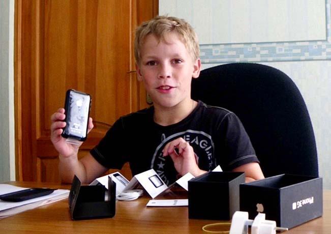 Константин Рудников и его первый айфон