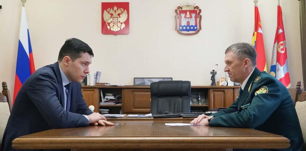 губернатор Алиханов и начальник таможни Абросимов
