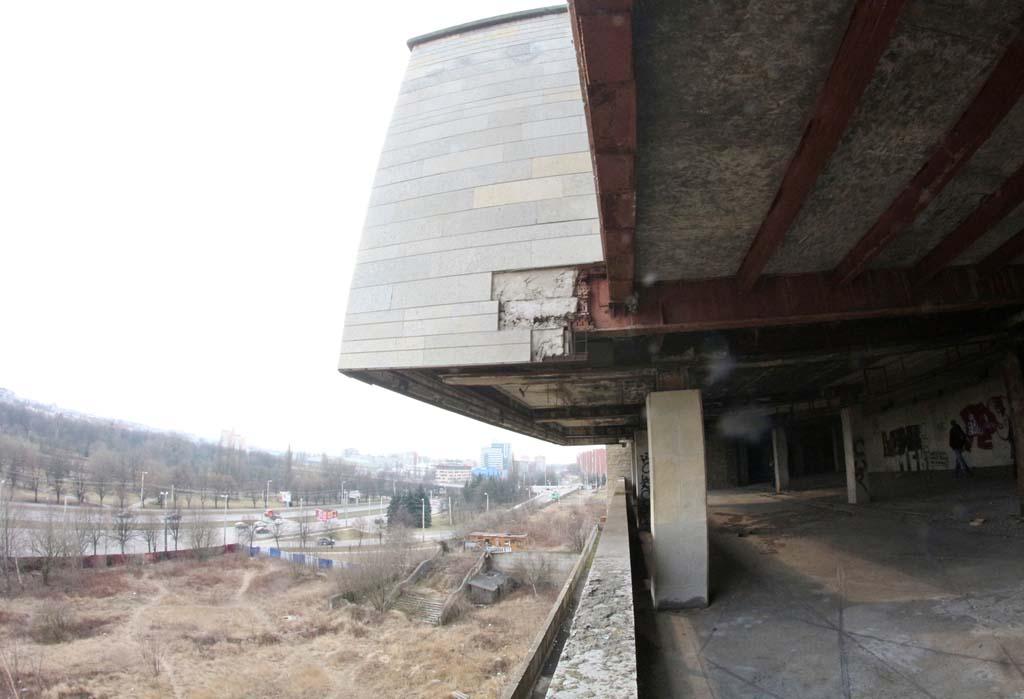 Дом Советов Калининград земля вокруг здания