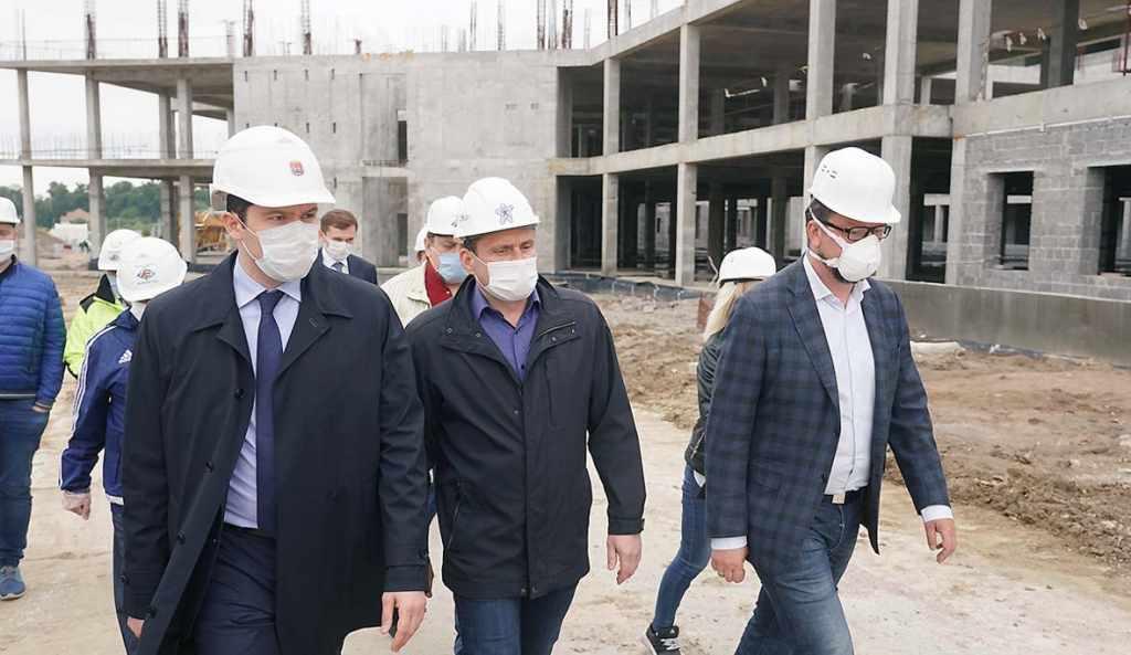 губернатор Алиханов онкоцентр возобновление строительства