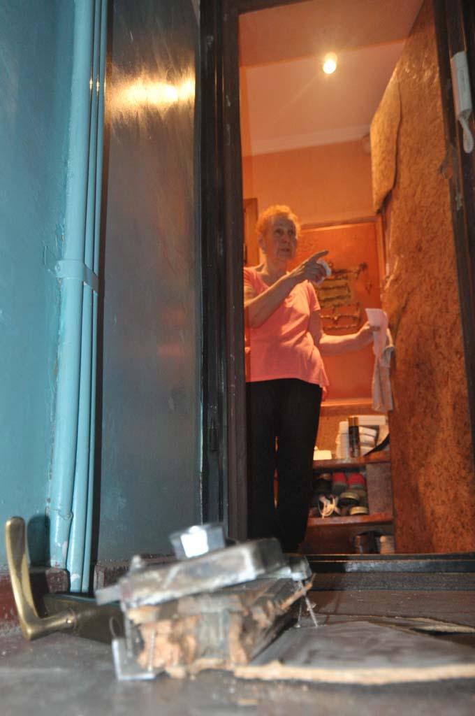 Лилия Кузнецова Калининград ул. Яналова 12 выломали дверь в квартиру