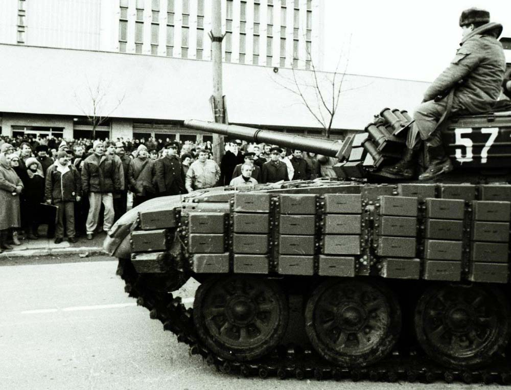 Вильнюс Дом печати 1991 танки