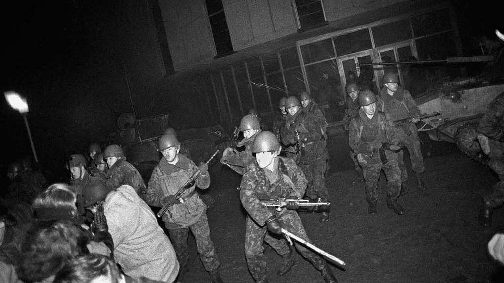 """штурм телецентра Вильнюс 13 января 1991 группа """"Альфа"""" (спецназ КГБ)"""