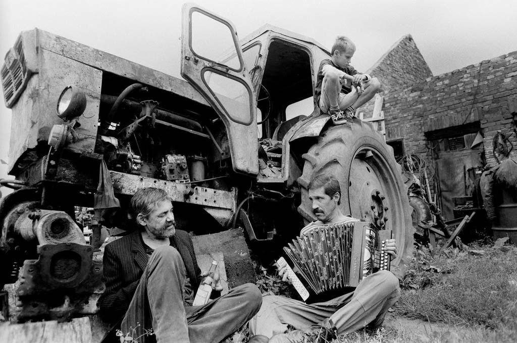 трактор, водка, баян, разруха